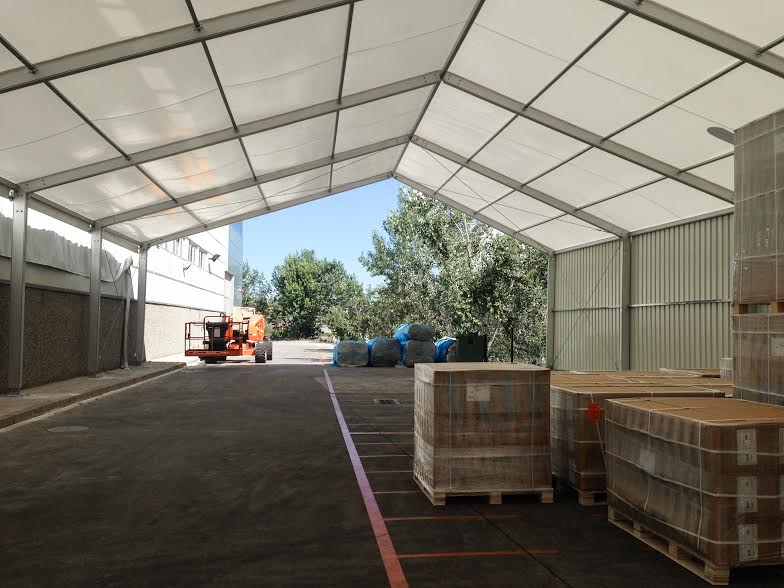 Una carpa para cubrir la zona de carga y descarga de for Carpa europea