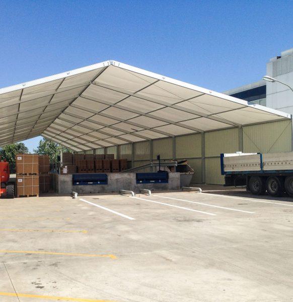 Carpas industriales para almacenaje: la solución idónea para afrontar un aumento puntual de producción