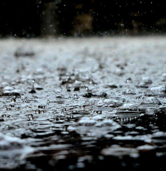 En abril, aguas mil y una carpa para los eventos en exterior