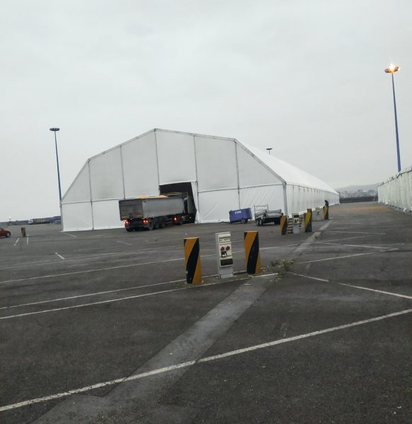 Carpas para almacenaje y logística en puertos