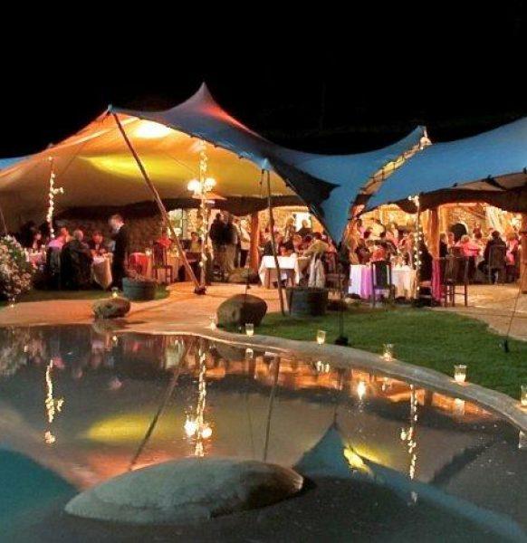 Las carpas de Aracarpas para la nueva normalidad: bodas, terrazas, logística, mercadillos y más