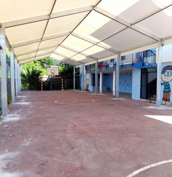 Carpas para centros educativos: la mejor solución para crear espacios cubiertos en los colegios